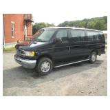 1999 Ford E350 Super Duty V10 15 Passenger Van