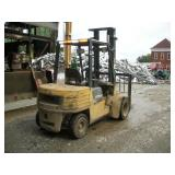 CATERPILLAR FORK TRUCK MODEL DP30