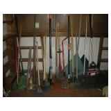 Garden Tools - 1 Lot