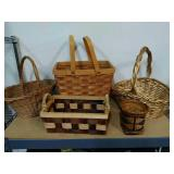 Basket lot. 5 Assorted Wicker baskets.