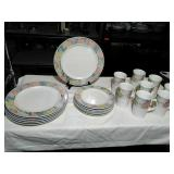 Mikasa Set of 20 Dinnerware. Oven safe. Chip and
