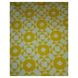 "86""×88"" machine quilted quilt yellow"