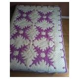 "65""×87"" hand quilted quilt"