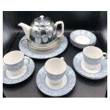 Vintage Teapot & Dinner Plates, Bowls/Saucers/Cups