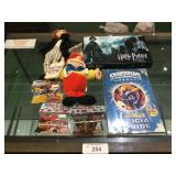 Collectibles Lot Harry Potter, Alice in Wonderland