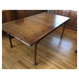 Solid Pine, Dining room table w/ 2 leafs