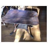 Vintage Mahogany Duncan Phyfe style table
