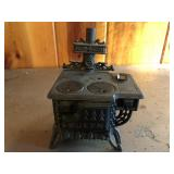 Salesman sample size Queen Cast iron stove