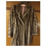 S/M Fur Coat, Med length, Safuron