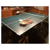 Regulation size ping pong table, w/paddles