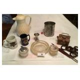11 pcs of vintage kitchen items