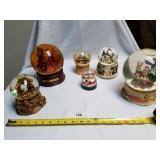 Lot of 6 Christmas Snow Globes