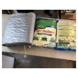 3pcs 2x 40lb bags of Scotts turf builder & tarp