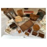 20 pieces mixed vintage wooden dollhouse furniture
