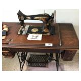 antique 300 singer sewing machine model no. 66