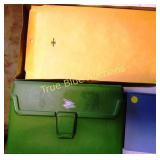 Office Supplies - Envelopes & Totes