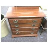 4 Drawer Dresser with Pull out side shelf on both