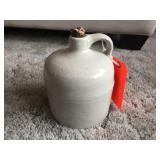 Shoulder jug