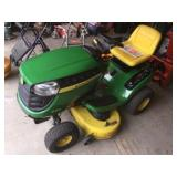 2012 John Deere D120 riding lawnmower with bagger