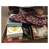 Hinged boxes & assorted purses