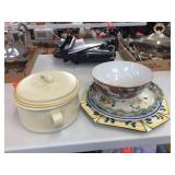 Covered casserole & platters