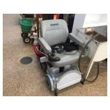 Hovaround MPV5 rechargeable chair, works per