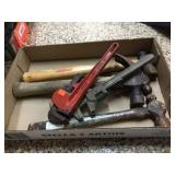 Hammers & pipe wrenches