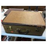 Suitcase rough condition 18x12x6