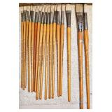 #19b 17 Vintage Grumbacher Artist Brushes