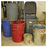 #15a 5 Trash Cans, 3 Rubber, 2 Galvanized