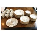 60 pc Set Noritake Cervates Dinnerware