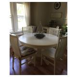 Pier 1 round table w/ leaf and chiars