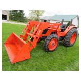 Kubota M7040SU loader tractor