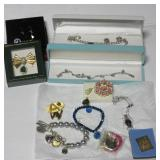 Group of jewelry including brooches, (2) Sterling