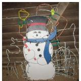 (4) Outdoor lighted Christmas décor pieces.