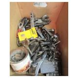 Large variety of gear pullers, Master clamps,