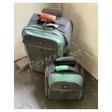 Eagle Creek (2) Piece Luggage Set