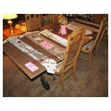 Stanley Table w/ 2 leaves, covers & 5 chairs