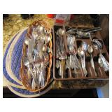 Group w/ 3 placemats & 3 containers mixed flatware