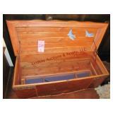 Cedar chest w/ hinged top & shelf (has scratches)