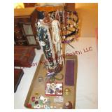 Necklace/Earring stand w/ contents & flat w/