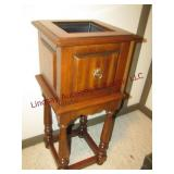 Plant stand 15x15x34
