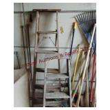 Pair wood step ladders 4 ft & 6 ft