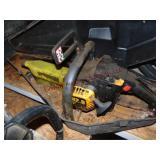 """McCulloch FR20 14"""" chainsaw w/ case - motor locked"""
