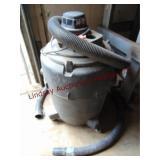Shop Vac mod 800M, 3 hp, w/ hose & extra hose