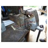 """Columbian 4.5"""" jaw vise (MUST BRING OWN TOOLS -"""