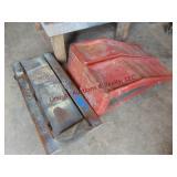 Set of metal car ramps & wood creeper