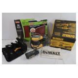 "DeWalt 5"" Variable SpeedOrbit Palm Sander Kit"