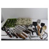 Stainless Flatware-Servng Utensils-Plastic Table-