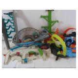 Hot Wheels Track w/Garage and Accessories